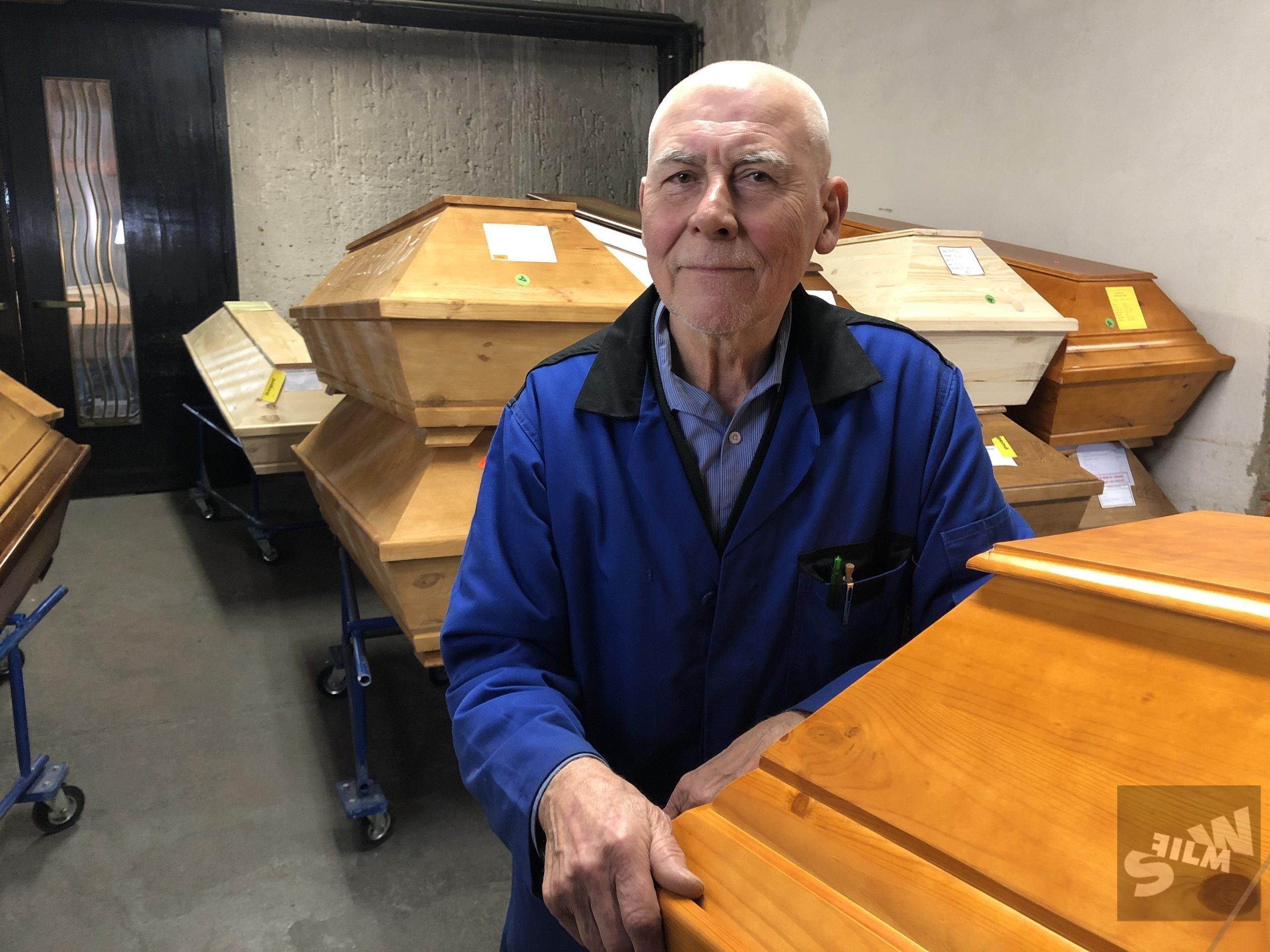 Staff member crematorium